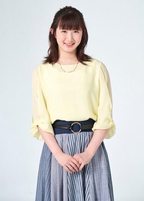 早田ひな-私服