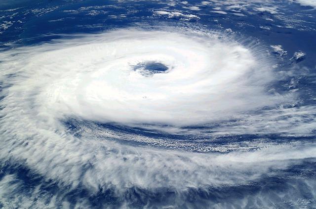 台風雲画像